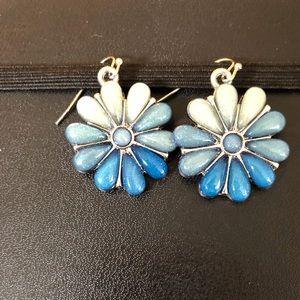 Blue ombré flower earrings